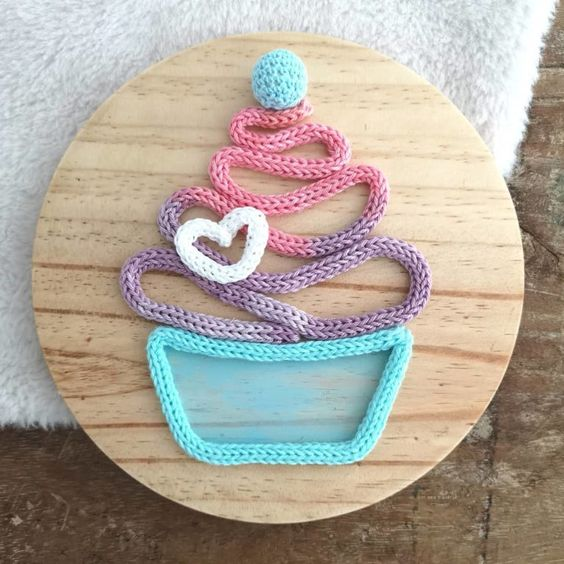 tricotin - cupcake em tricotin
