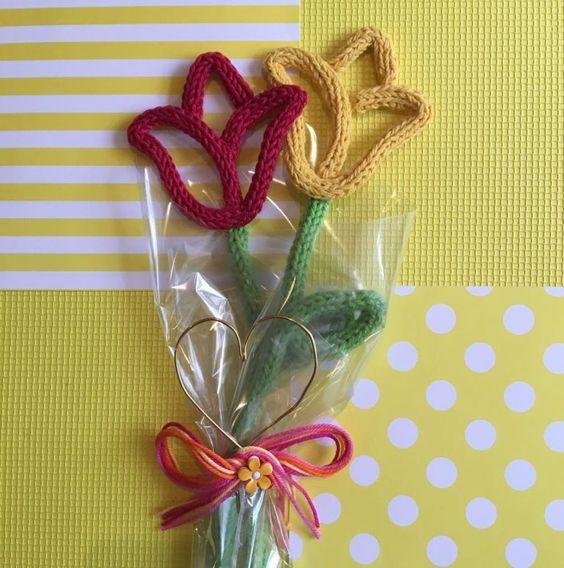 tricotin - flores de tricotin em buquê
