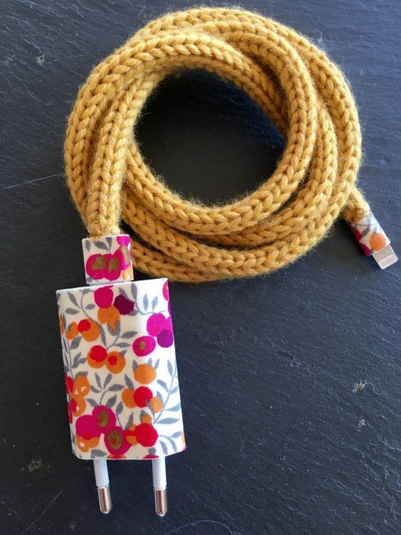 tricotin - protetor de cabos amarelo em tricotin