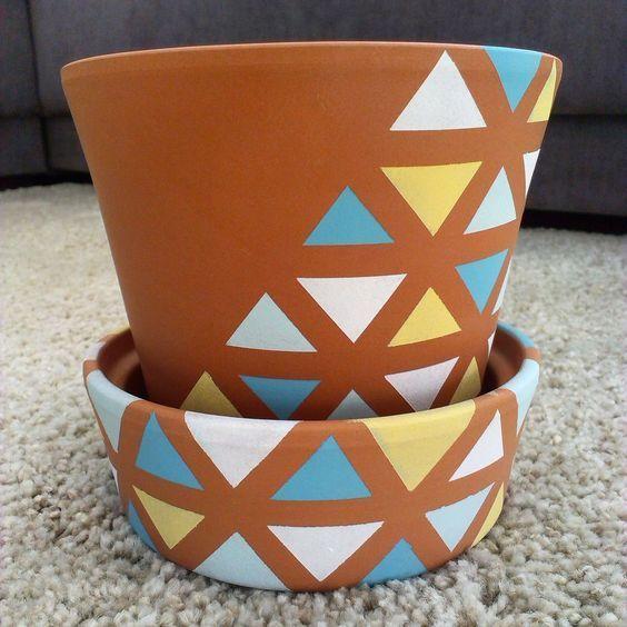 vaso de barro - vaso com detalhes triangulares