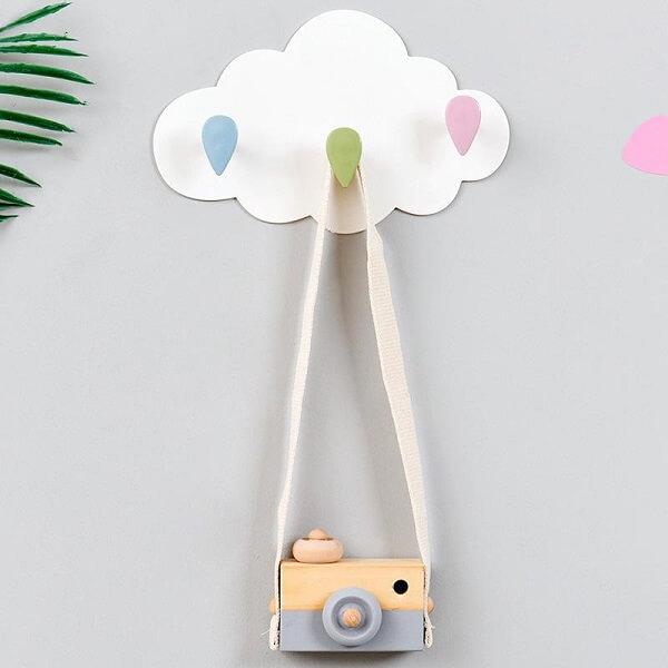 Gancho de parede em formato de nuvem encanta a decoração