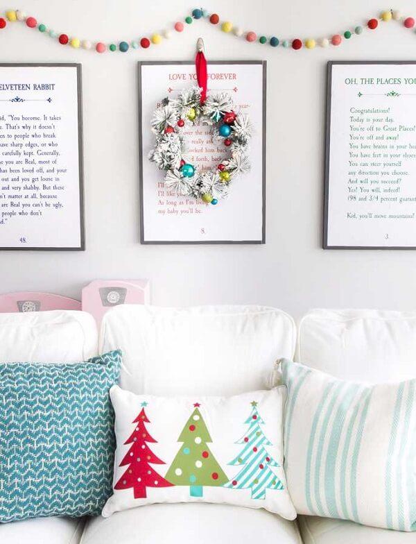 Decore seu espaço com diferentes almofadas de Natal