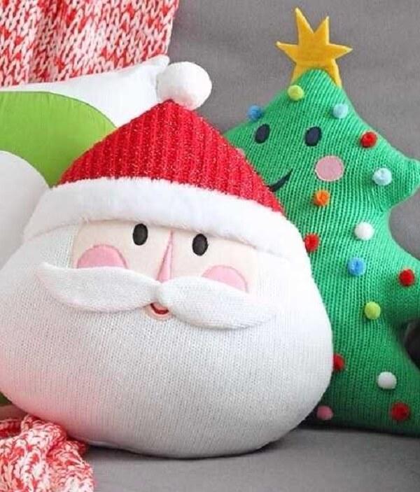 Almofadas de Natal feitas com tecido trazem alegria para o ambiente
