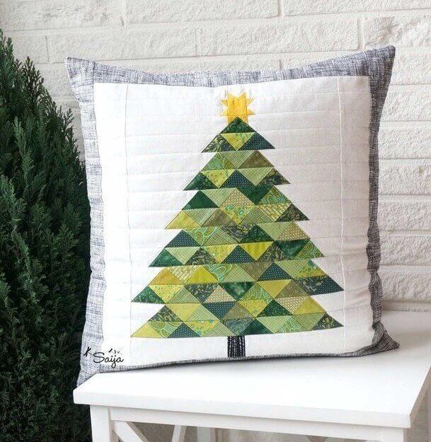 Decore o ambiente com almofadas de Natal feita com a técnica de patchwork