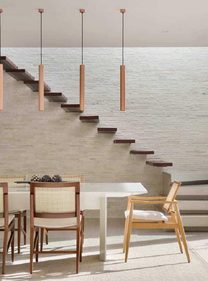 Pedra São tomé, a famosa pedra canjiquinha utilizada na parede da escada