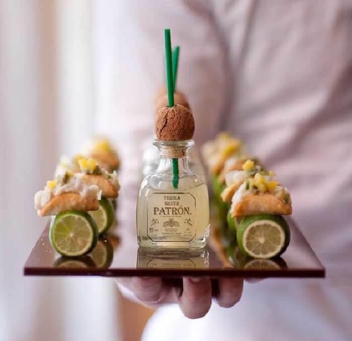 Ideia criativa para servir os petiscos durante a festa Chá Bar