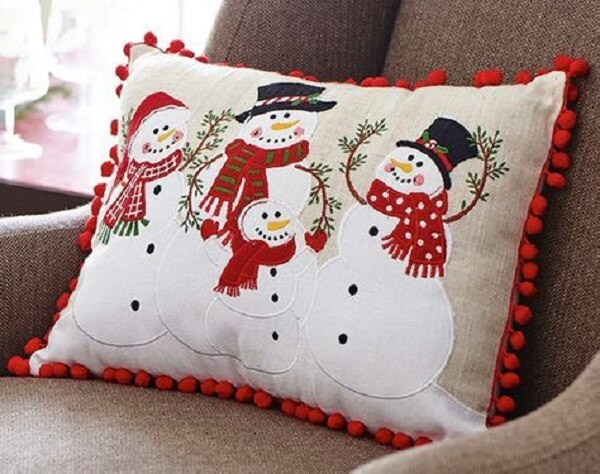 Invista em almofadas de Natal personalizadas com bonecos de neve