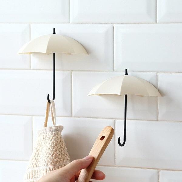 Gancho para parede em formato de guarda chuva