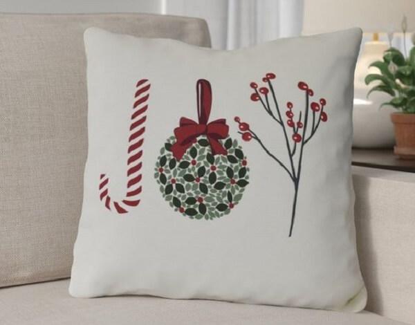 Almofada de Natal simples se harmoniza facilmente na decoração