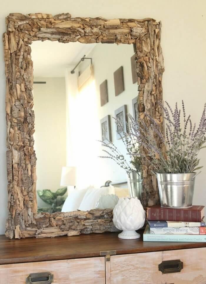 Moldura para espelho feita em madeira