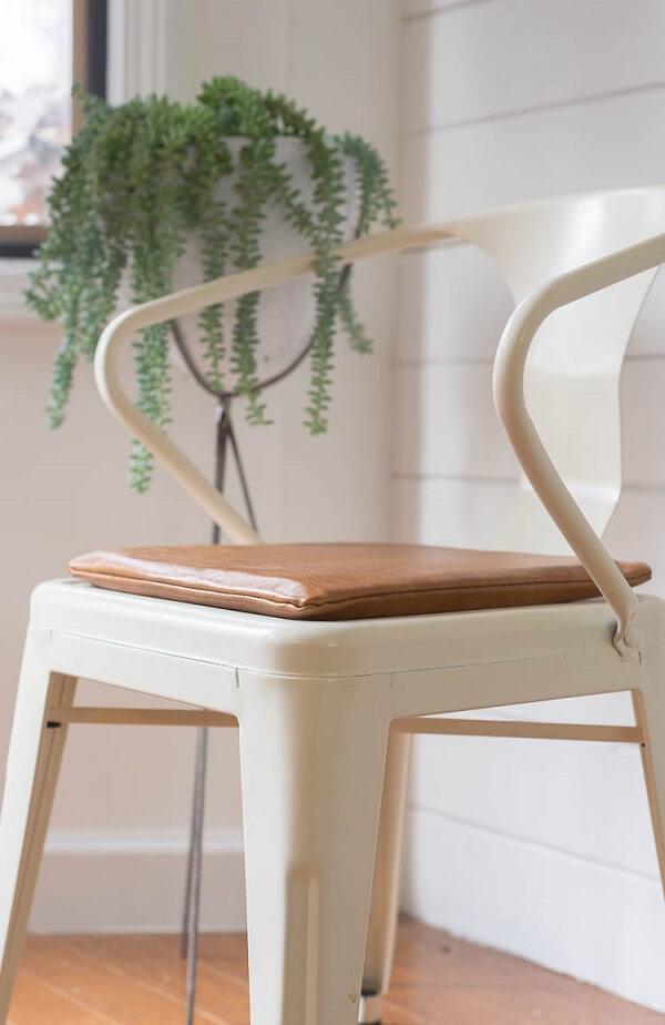 Almofadas para cadeiras com tecido de couro