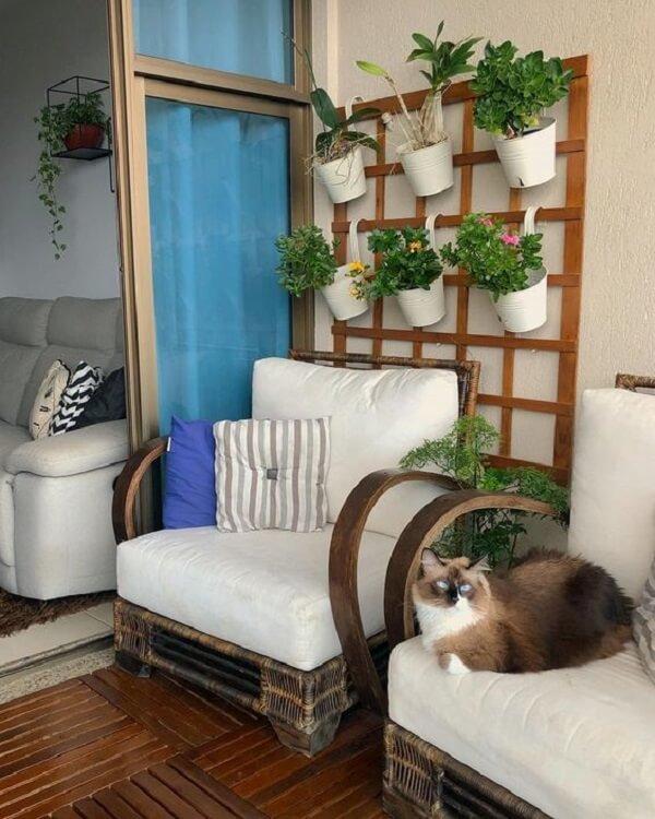 As almofadas para cadeiras em tons neutros combinam com diferentes estilos de decoração