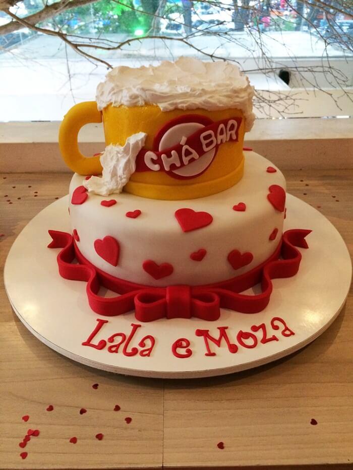 Bolo criativo para Chá bar feito com pasta americana