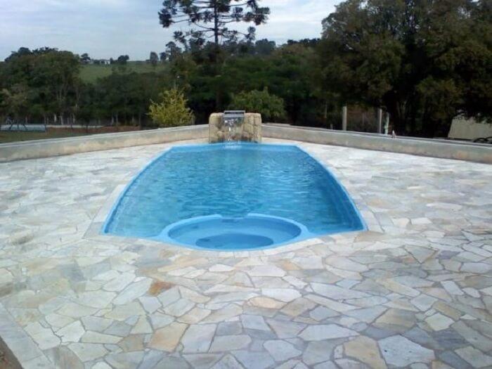 Caco de pedra São Tomé para a área da piscina