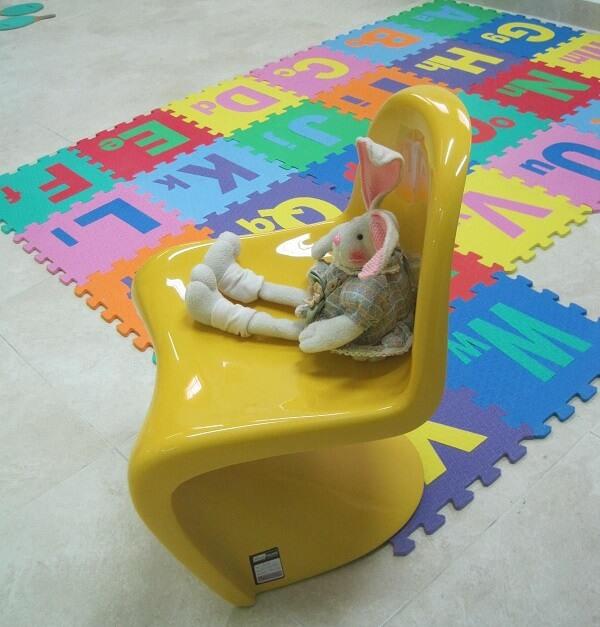 Cadeira amarela Panton brilhante