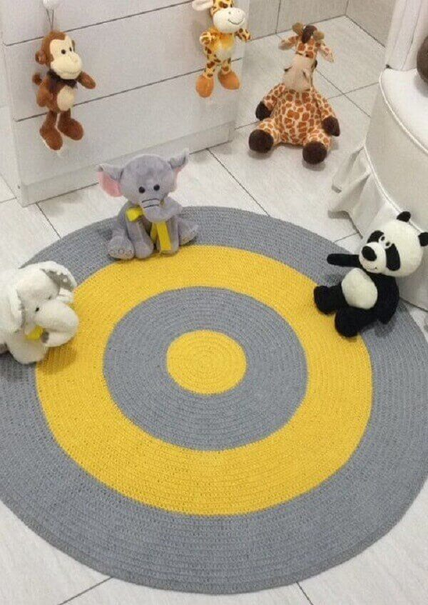 Diversão garantida com a presença do tapete de crochê no quarto das crianças