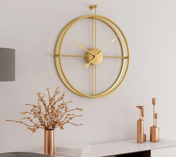 Elegância e sofisticação ao incluir este relógio de parede na decoração