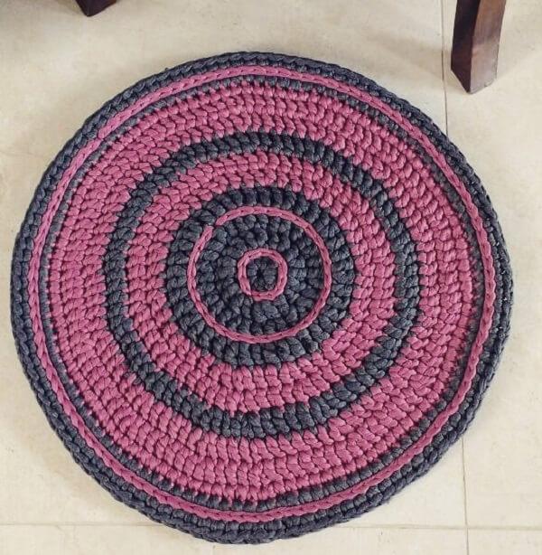 Enfeite sua casa com um tapete de crochê