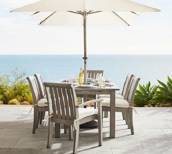 Escolhe as almofadas para cadeiras de jardim com tecido resistente e impermeável