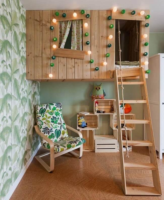 Estante criativa feita com caixotes de madeira