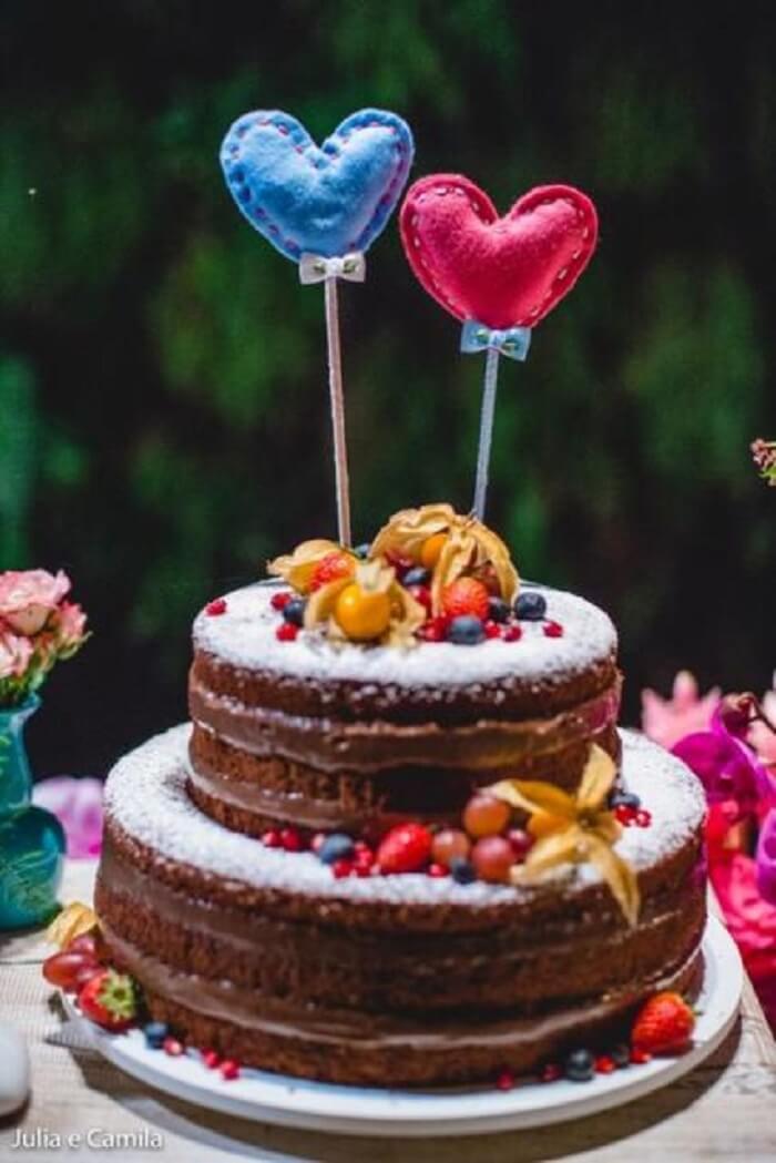 Que tal incluir um naked cake para Chá Bar?