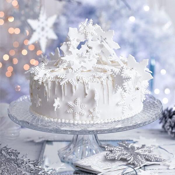 O bolo de natal branco nos remete a neve