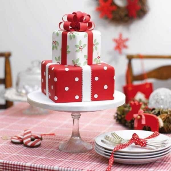 Que tal um bolo de natal em formato de presente?