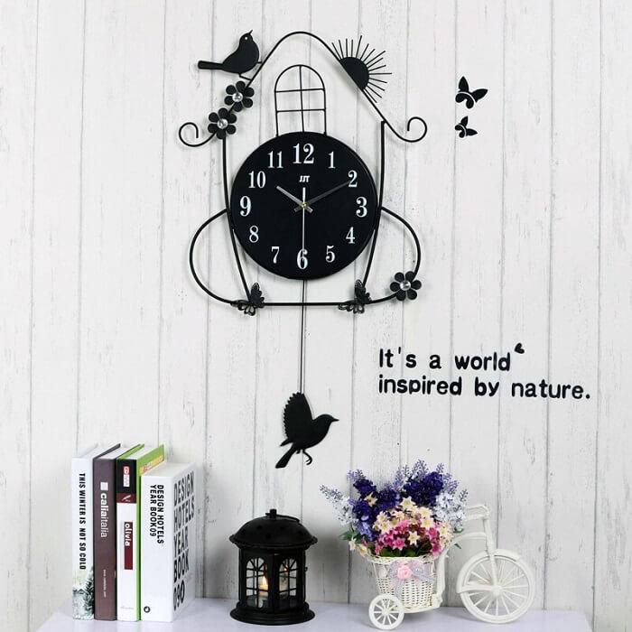 Relógio de parede com design encantador