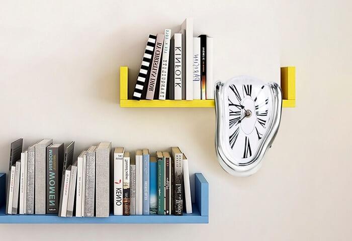 Relógio de parede criativo com design derretido