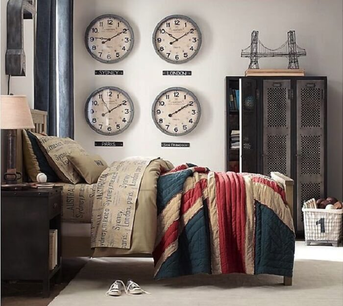Relógios de parede que marca as horas de diferentes países
