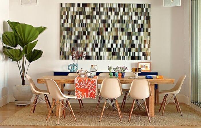 Sala de jantar com tapete sisal em formato retangular