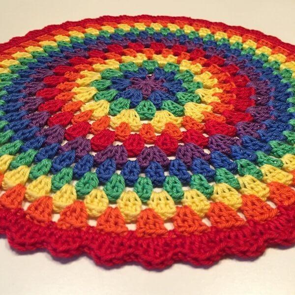 Tapetes com cores vivas trazem alegria para o ambiente