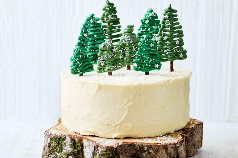 Use uma base de madeira para sustentar o bolo de natal