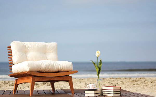 Almofadas para cadeiras de madeira
