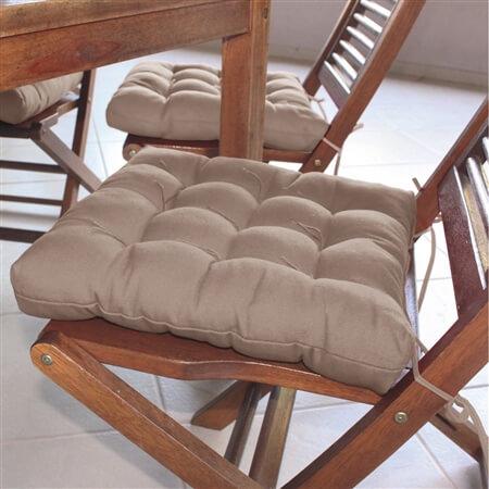 Almofadas para cadeiras na cor neutra