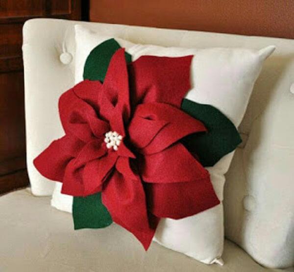 Almofada de Natal com flor de feltro gigante