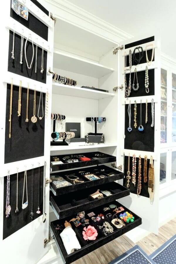 armários planejados para closet luxuoso Foto Espaço Casa