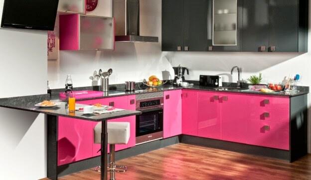 Armário de cozinha rosa fúcsia