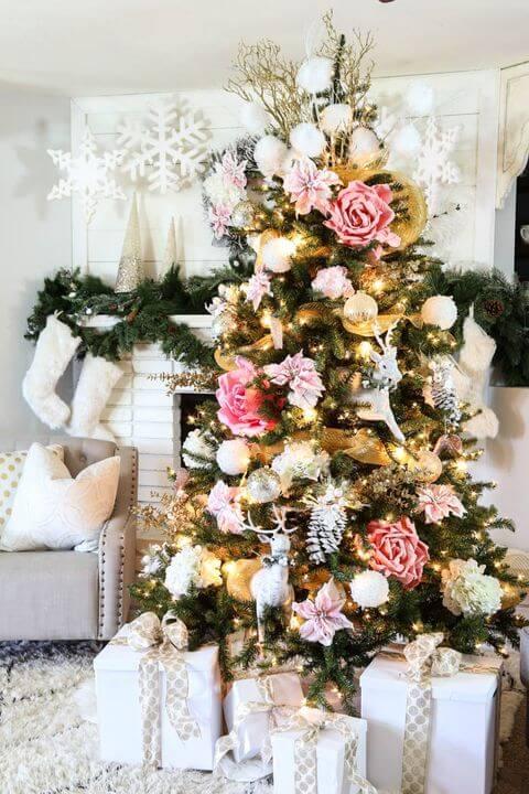 Árvore de natal com flores de papel para decoração de natal para sala de estar