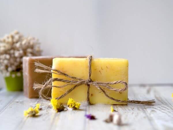 Veja como fazer sabonete artesanal em barra