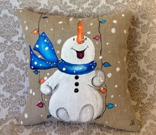 Almofada de Natal com estampa pintada de boneco de neve