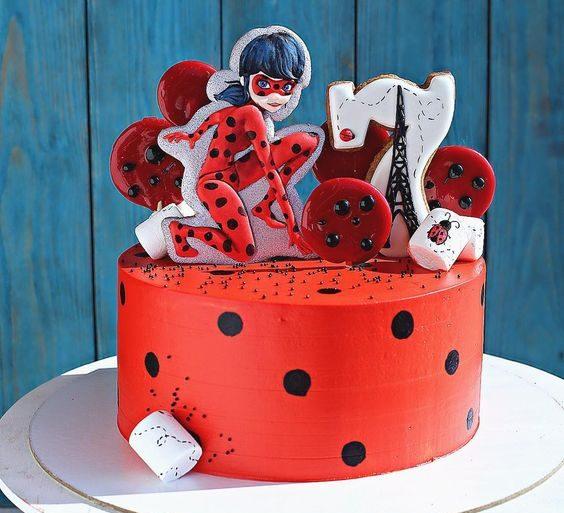 bolo-de-festa-ladybug