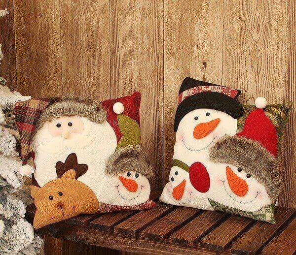 Almofadas de Natal com estampa de Papai Noel e boneco de neve