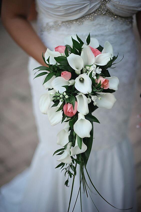 Misture o copo de leite com outras flores para ter arranjos lindos! -