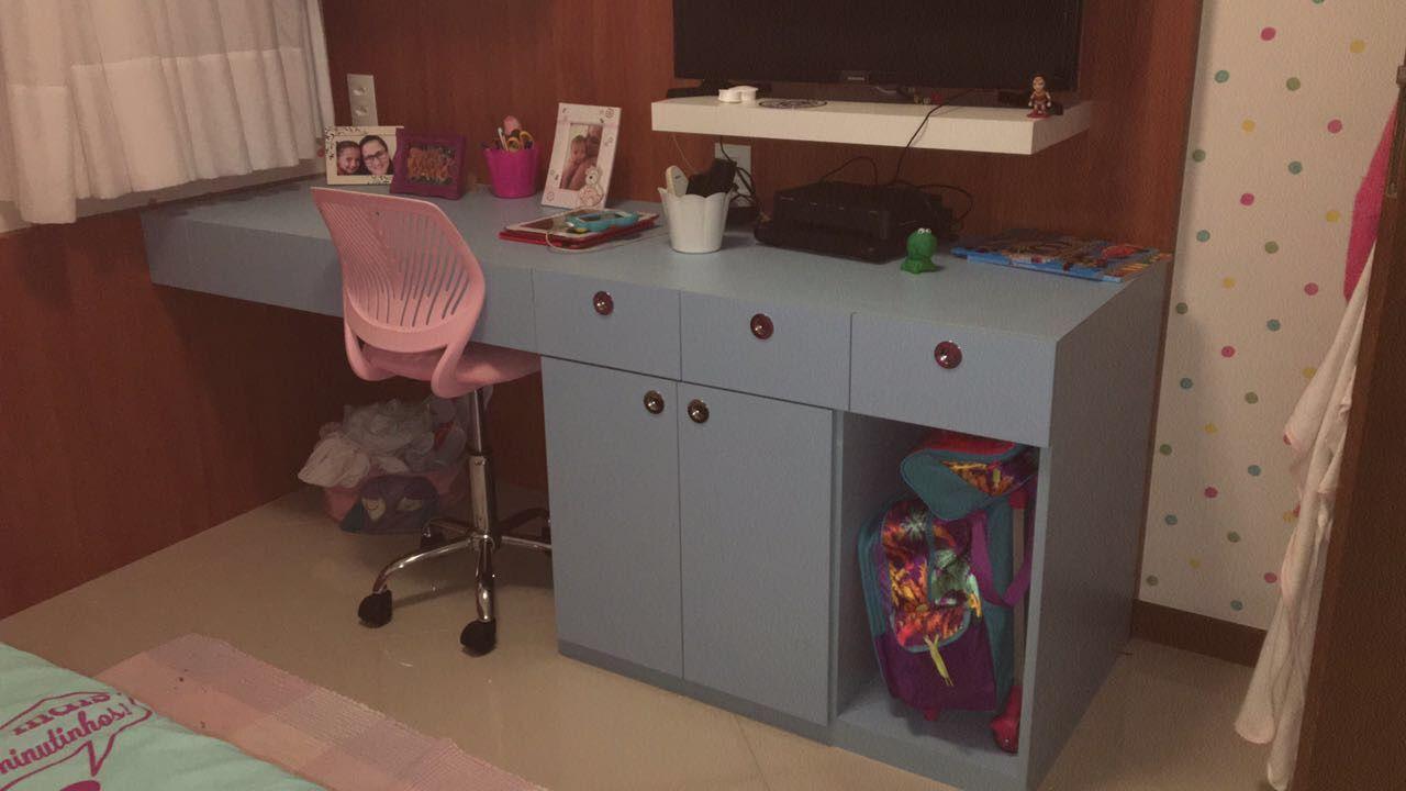 cadeira para escrivaninha - bancada de estudo azul com cadeira rosa