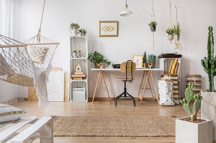 cadeira para escrivaninha - home office clean branco com cactos e rede