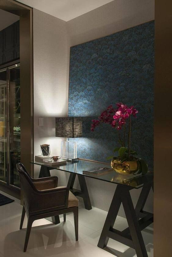 cadeira para escrivaninha - home office com mesa de vidro