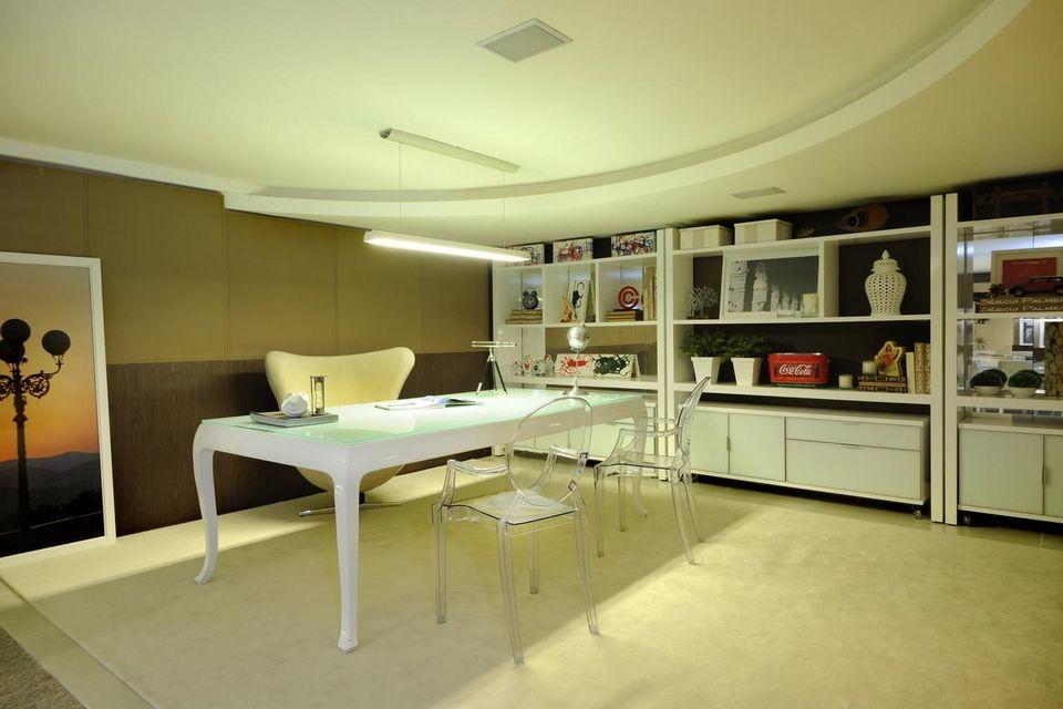 cadeira para escrivaninha - mesa quadrada branca
