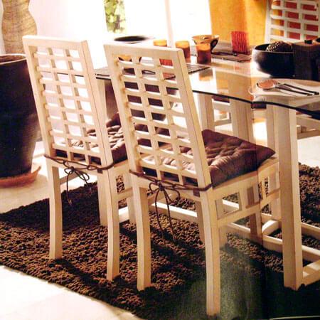 Cadeiras da sala de jantar com almofada neutra