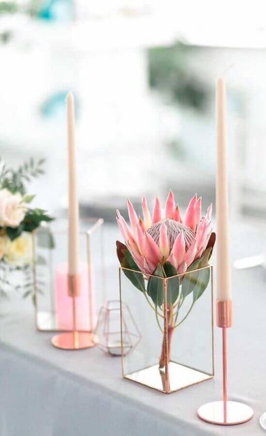 castiçal para vela para decoração em rose gold Foto BuyMa